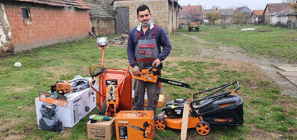 Dusan Rajkov sa opremom