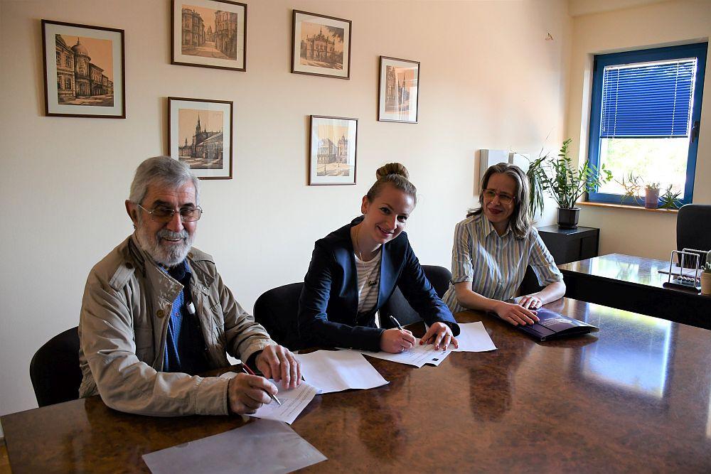Potpisivanje ugovora EHO i Centar za regionalizam