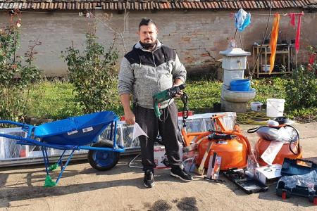 Žolt Lakatoš sa opremom